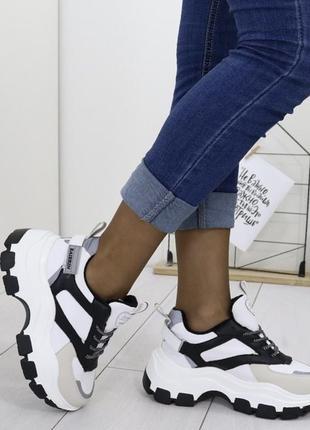 Новые шикарные женские зимние кроссовки