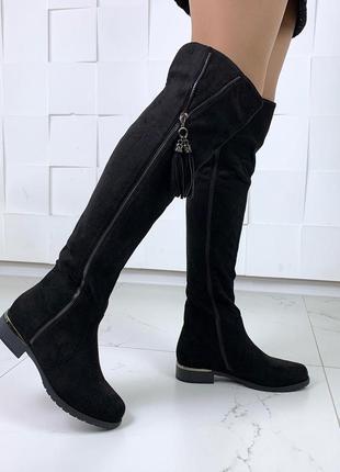 Стильные сапожки деми на низком каблуке