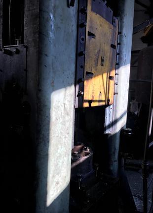 Продам пресс винтовой фрикционный с дугостаторным приводом Ф1734А