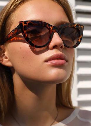 Солнцезащитные очки кошечки с леопардовой глянцевой оправой