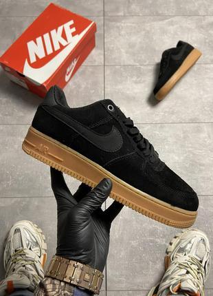 Nike air force 1 low suede black gum