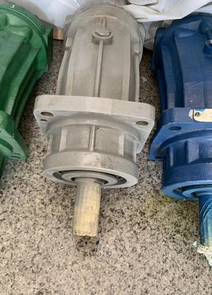 Гидравлическое оборудование ( насосы, моторы )
