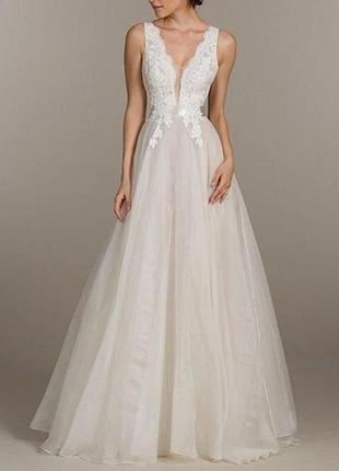 Свадебное платье открытое с v-вырезом на спине и груди айвори ...