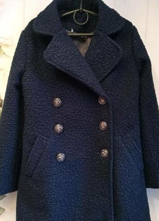 Модное пальто для девочки. букле.цвет -синий