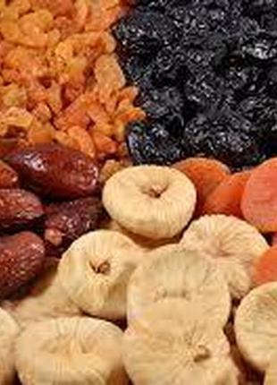 Цукаты, орехи, сухофрукты