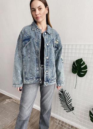 Женская джинсовая куртка пайетки