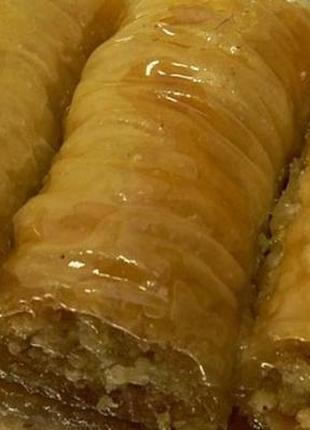 Пахлава ореховая медовая. Рахат-лукум. Халва. Восточные сладости