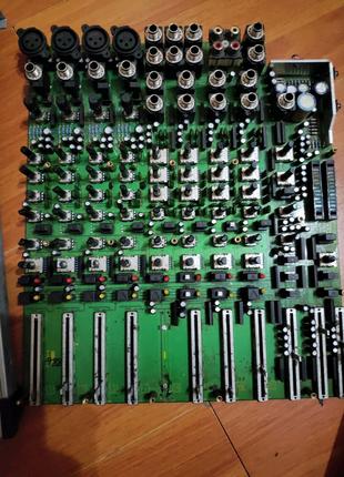 Микшер Behringer Euro rack MX 1604A-разборка
