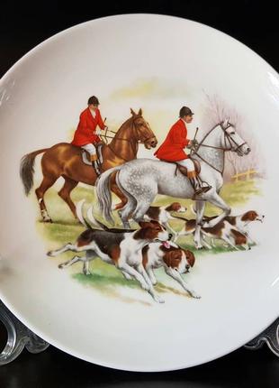 "Продам немецкую, фарфоровую, декоративную тарелку ""Охота""."