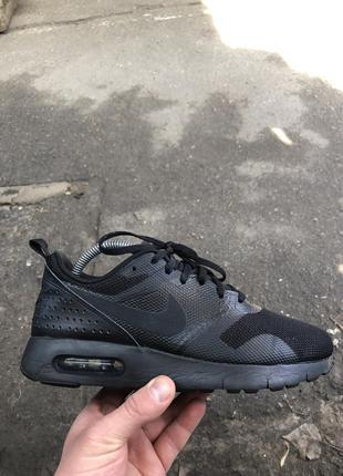 Черные кроссовки nike air max
