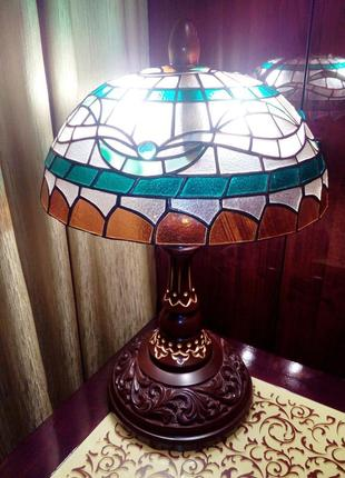 Декоративная витражная настольная лампа в стиле Тиффани,новая