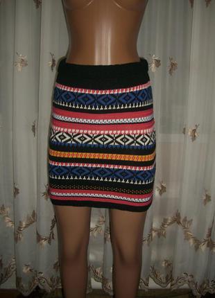Короткая вязаная юбка