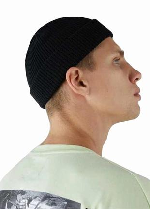 Шапка бини тренд сезона, короткая шапка