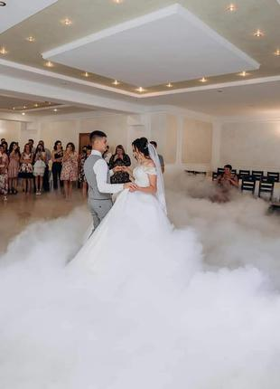 Важкий дим, холодні вогні, конфеті на перший танець!