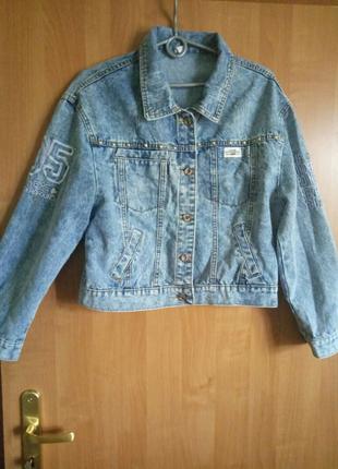 Джинсовая куртка в стиле Oversize размер-M.2019-2020