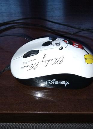 Проводная USB мышка.