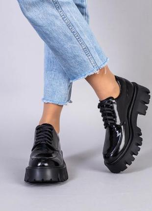 Туфли женские кожа наплак черные на шнурках