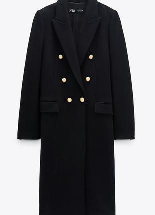 Шерстяное пальто zara с металлическими пуговицами
