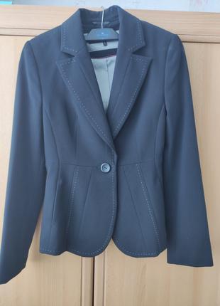Продам фирменный пиджак Next
