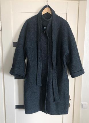 Шерстяное пальто изумрудного цвета на кнопках