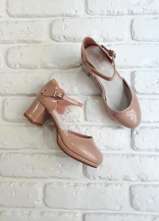 Стильные туфельки на каблучке