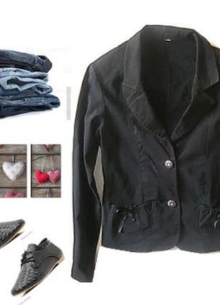 Легкий стрейчевый пиджак размер 40-42