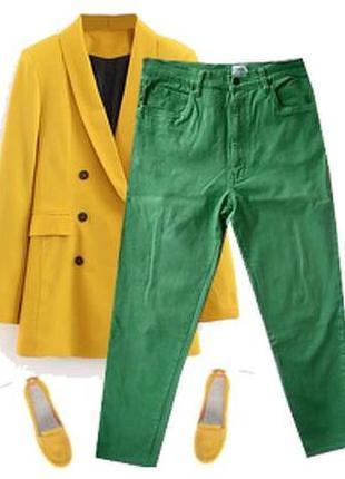 Модные джинсы с высокой посадкой