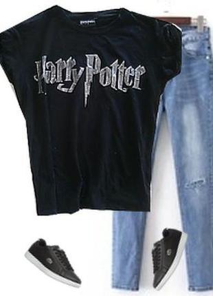 Модная футболка
