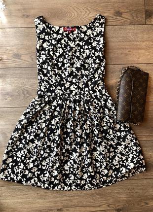 Платье в бабочки