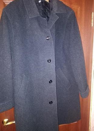 Классное пальто большого размера
