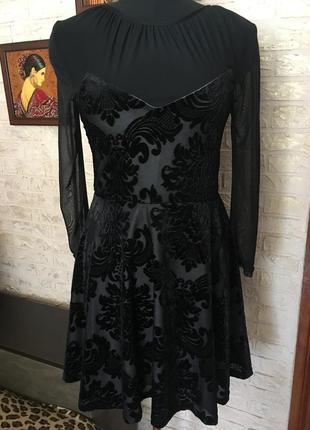 Платье с велюровым принтом, и вставками сетки, на подкладке