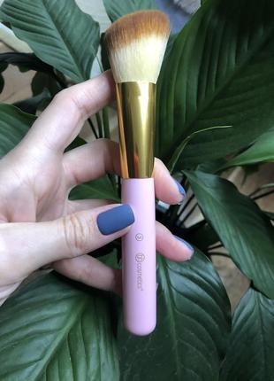 Кисть для макияжа bh cosmetics 3