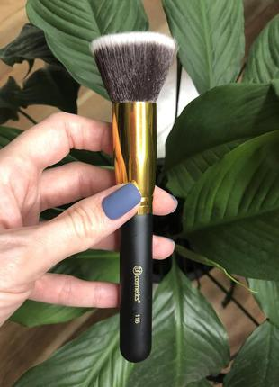 Кисть для макияжа bh cosmetics 116