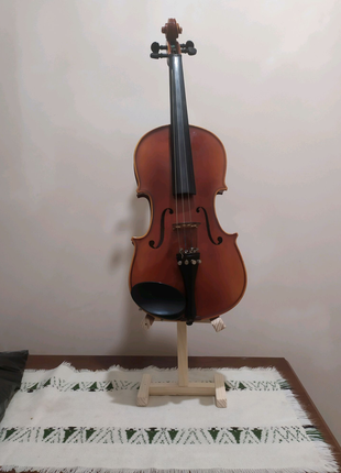 Скрипка Pearl River (4/4) c чехломи подставкой