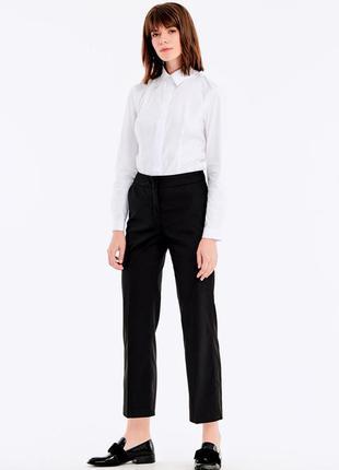 Черные зазауженнные брюки с атласными лампасами