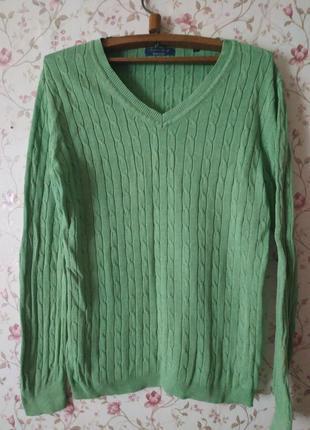 Модный пуловер оливкового цвета