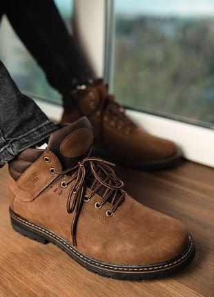 Зимние стильные мужские ботинки из нубука