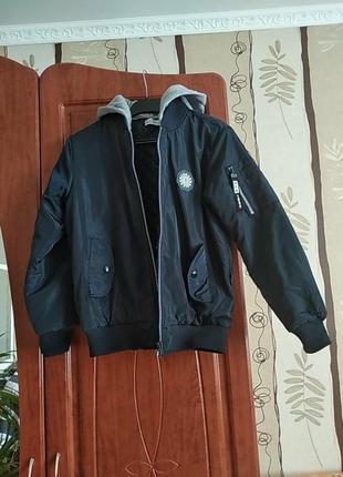 Бомбер-куртка