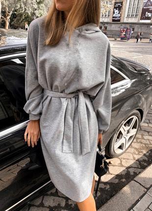 Женское платье свободного кроя