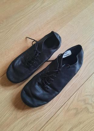 Обувь для танцев.