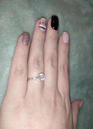Серебряное кольцо со вставкой из  натурального розового кварца