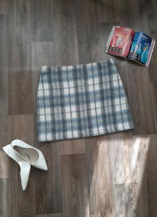 Стильная голубая с белым юбка в клетку бренда M&S 46-48 размера.