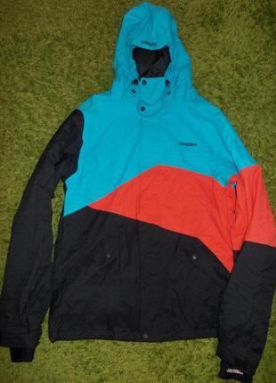В наличии модная куртка (весна ,осень,еврозима),фирма zimtster...