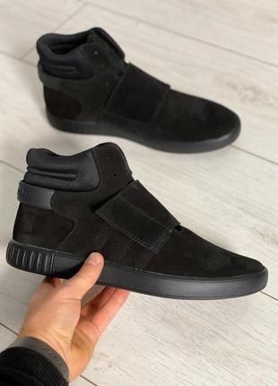 Черные замшевые кеды на шнурках и липучке
