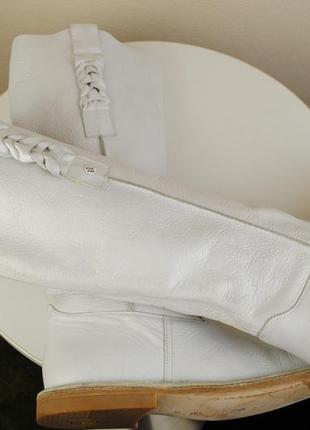 Очень стильные белые кожаные сапоги atelier do sapato portugal