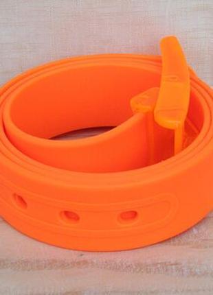 Ремень оранжевый силиконовый на пластиковой пряжке