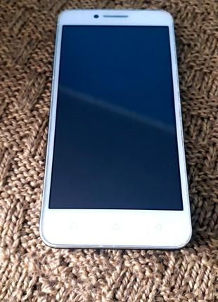 Телефон Lenovo VIBE C A2020a40