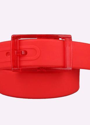 Ремень красный силиконовый на пластиковой пряжке