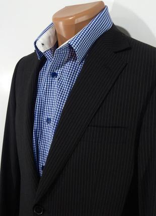Мужской черный костюм в полоску размер 42
