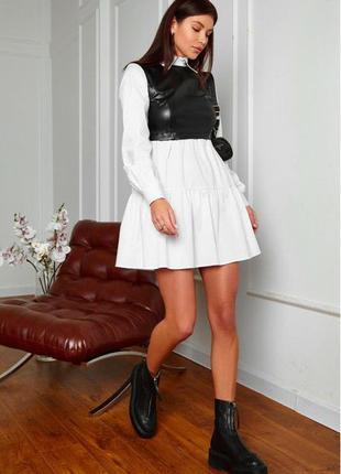 Оригинальное белое платье с вставками с эко кожы